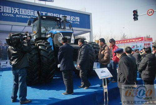 二手福田雷沃欧豹504型拖拉机 产品展示 山东胜达新旧农机