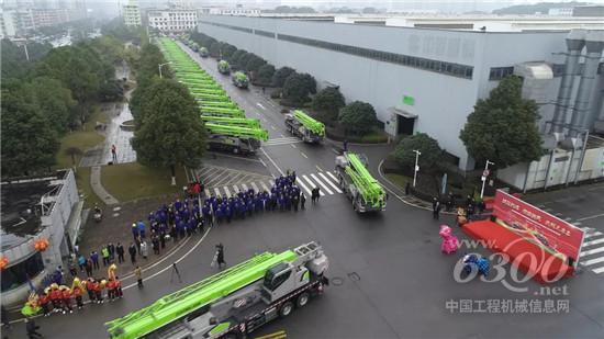 中联重科超百台汽车起重机浩浩荡荡发往全国各地