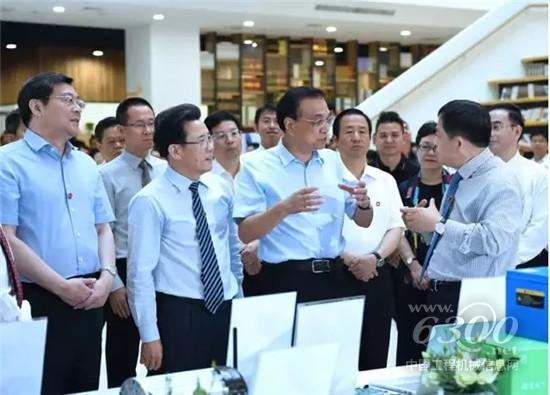 李克强总理询问三一工业互联网发展情况