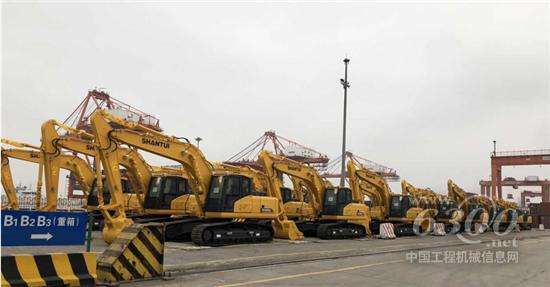 山推中东区域挖机产品实现批量发运