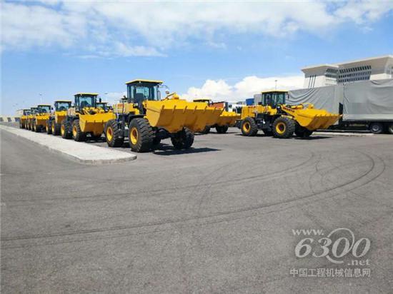 山推装载机产品批量发往中亚市场