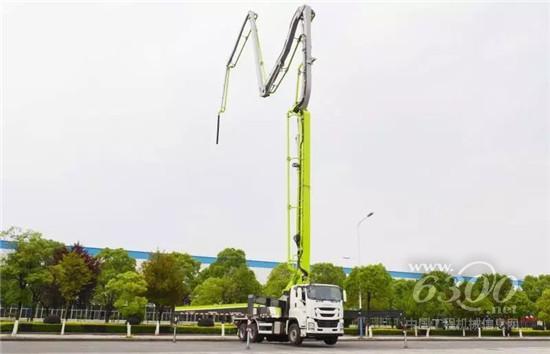 中联重科三桥49米国六泵车成功下线