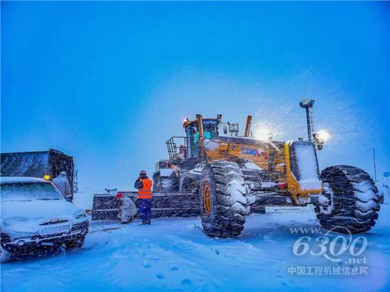 徐工GR5505征服新西伯利亚