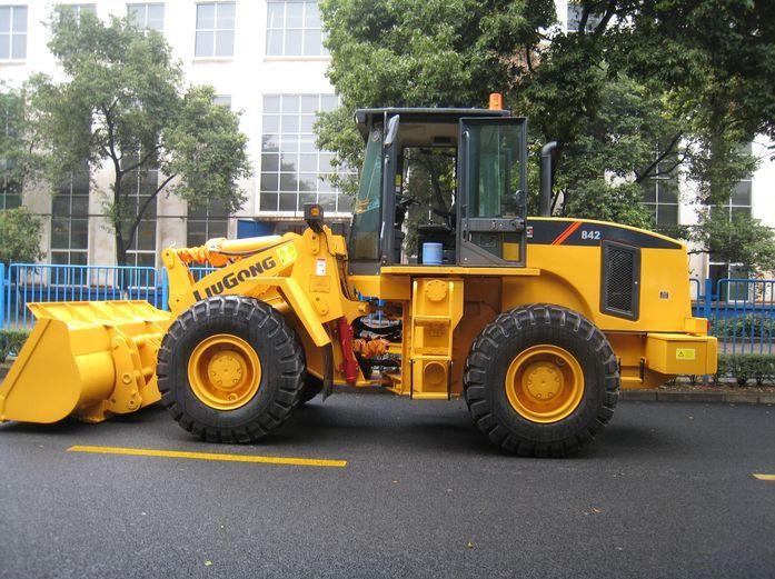柳工CLG842轮式装载机