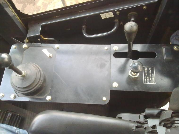 山工SEM650B轮式装载机