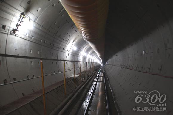 首个tbm区间——青岛地铁2号线海安路站—海川路站区间双线精确贯通