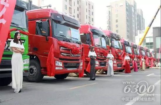 当场斩获订单近30台,完美开启徐工汉风许昌市场!