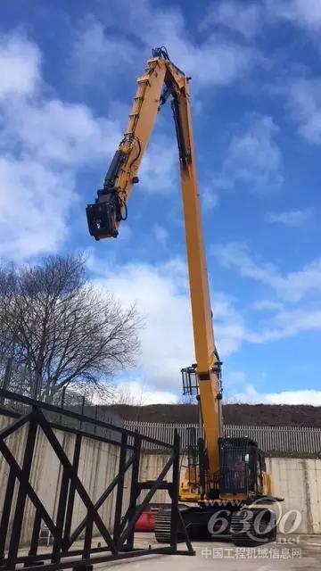 柳工挖机CLG950E完成30米超高臂改装