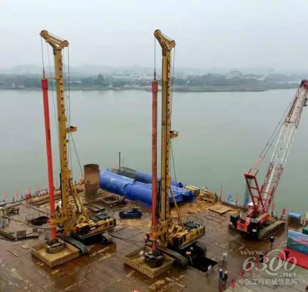 徐工XR550D旋挖钻机在南沙港铁路西江特大桥施工