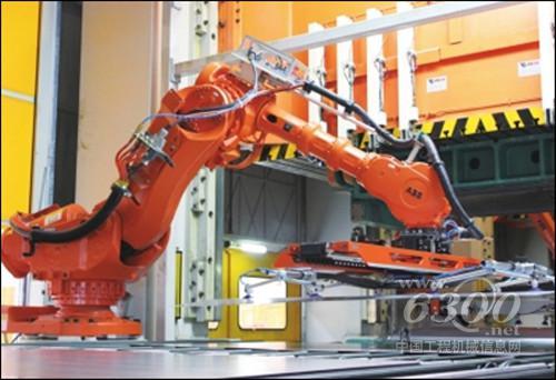 龙岩机械产业顽强姿态 逆风飞扬稳 龙工挖掘机项目生产基地这个目前图片