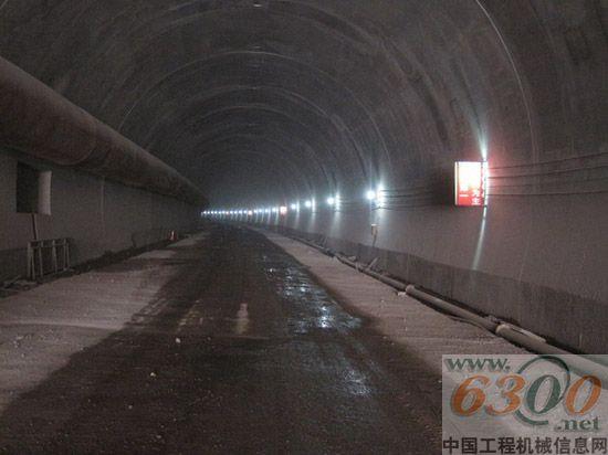 十五局七公司林长项目东石柱隧道开挖掘进突破1500米