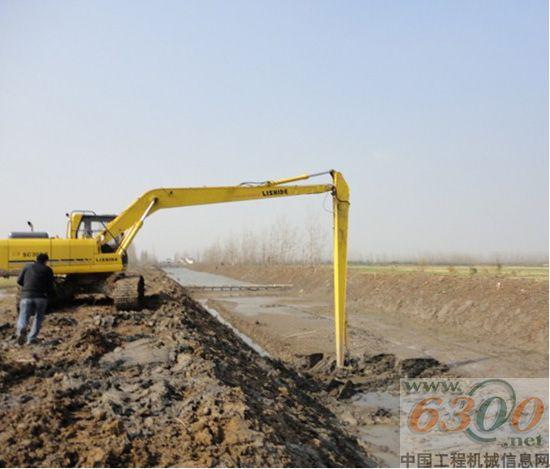 湖北/力士德挖掘机助力湖北水利建设