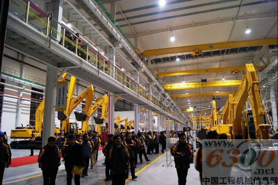 山东临工,两万台挖掘机生产基地