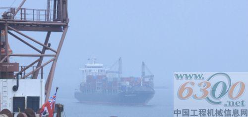 卡特彼勒高效设备助力青岛港物流装卸作业